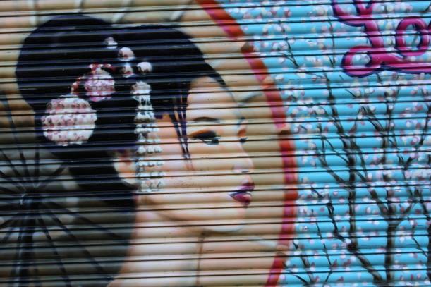 street art on redchurch st - genevieve blog
